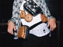 MCM 上架袖珍尺寸包包挂件:可以肩背