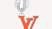 LV M67775 LV RUBBER 包饰与钥匙扣