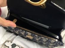 Dior老花腰包装进手机后快炸了