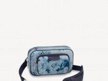 LV M80462 OUTDOOR POUCH 手袋