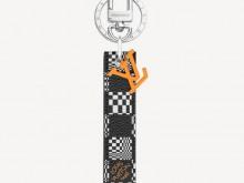 LV MP2923 ANAGRAM DISTORTED DAMIER 包饰与钥匙扣