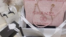Chanel2021新款沙滩包粉色 墨镜