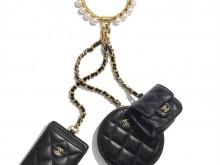 Chanel AP2229 B05945 94305 手镯配以小皮件与链条