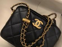 Chanel香奈儿21k相机包牛皮荔枝珠光
